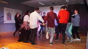 <p>Nella cittadina di Portici circa 80 persone hanno celebrato il bicentenario in spirito di amicizia. Nella celebrazioneera percepibileil sentimentodi gioiatra i partecipanti. La celebrazioneè statamovimentata da danze, musiche e dal contributodei più giovani chehanno avuto un ruolo importantenell'organizzazione della serata.</p>